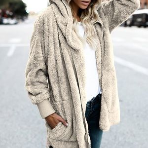 Sweaters - NEW faux fur // hoodie in taupe